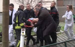 Δείτε LIVE τι μεταδίδουν τα ξένα ΜΜΕ για το μακελειό στη Γαλλία