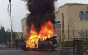 Γαλλία: Έκρηξη αυτοκινήτου έξω από συναγωγή του Παρισιού