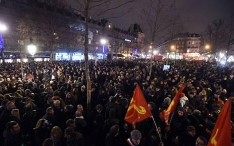 Charlie Hebdo: Η ελευθερία έκφρασης δεν πεθαίνει - Ηχηρό μήνυμα χιλιάδων πολιτών
