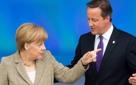 Βρετανία: Απορρίπτει η Μέρκελ τις εικασίες περί Grexit