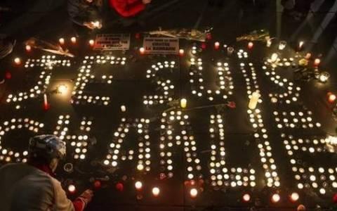 Charlie Hebdo: Αντιδράσεις για τις δηλώσεις Φάρατζ περί «5ης Φάλαγγας»