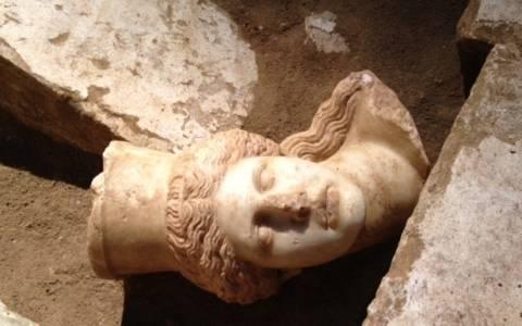 Αμφίπολη: Βρέθηκαν και άλλες αρχαίες κατασκευές στον τύμβο