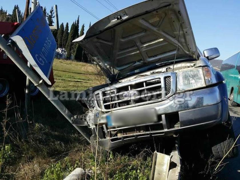 Τροχαίο ατύχημα στα φανάρια της Ξηριώτισσας (Pics)