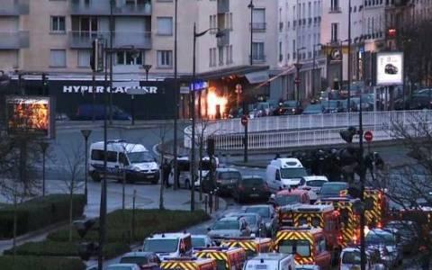 Παρίσι: Η στιγμή της επέμβασης των γαλλικών δυνάμεων στο παντοπωλείο (video)