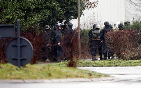 paris-police-armed 3159221c