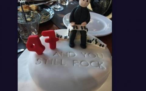 Έγινε 47 με τούρτα-υπερπαραγωγή ο…!