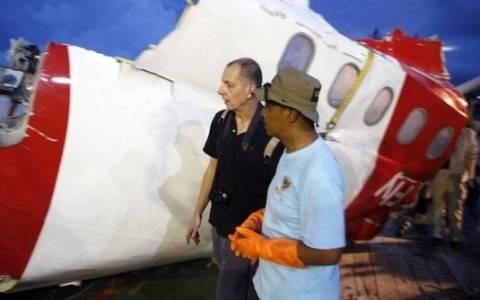 Ινδονησία: Εντοπίστηκε το μαύρο κουτί του αεροσκάφους της Air Asia