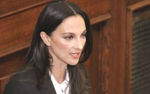 Εκλογές 2015- Έλενα Κουντουρά: «Έντιμη και πατριωτική η στάση μας...»