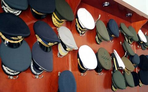 Συνάντηση Δένδια με απόστρατους αξιωματικούς ενόπλων δυνάμεων