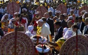 Πάπας Φραγκίσκος: Αναζητήστε την αλήθεια και συμφιλιωθείτε (photos)