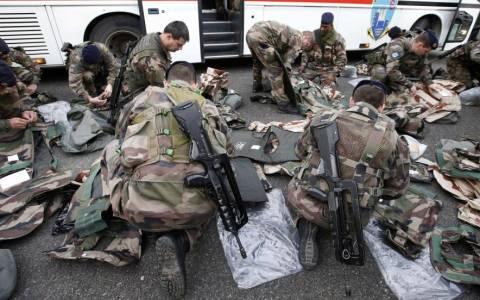 Η Γαλλία συνεχίζει τις στρατιωτικές επιχειρήσεις στο Ιράκ
