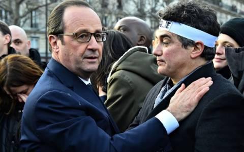 Φ. Ολάντ: Η Charlie Hebdo ζει και θα ζει