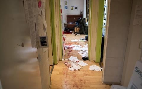 Charlie Hebdo: Ο τετράποδος επιζών που κλέβει καρδιές