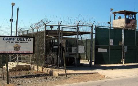 ΗΠΑ: Μεταφέρουν κρατουμένους από το Γκουαντάναμο
