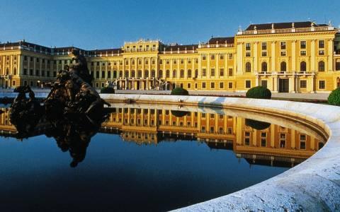 Οι ελληνικές εξελίξεις απασχολούν τον αυστριακό Τύπο