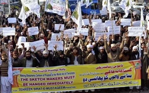 Πακιστάν: Kρεμάστε τους σκιτσογράφους του Charlie Hebdo (video)