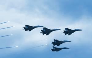 Εντείνονται οι αεροπορικές επιδρομές στο Ιράκ και τη Συρία κατά θέσεων του ΙΚ