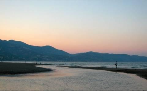 Απαγορεύθηκε το κολύμπι και το ψάρεμα στον κόλπο του Ηρακλείου