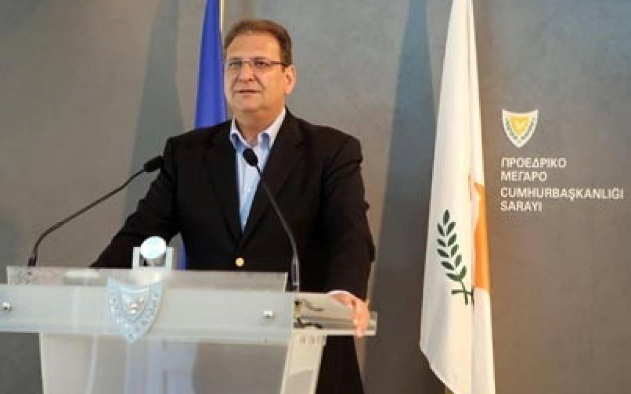Β. Παπαδόπουλος: H Κυβέρνηση περιμένει εισηγήσεις για το Κυπριακό
