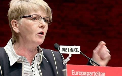 Τσίμερ: Μέρκελ και ελληνική κυβέρνηση φέρουν μερίδιο ευθυνης για την κρίση