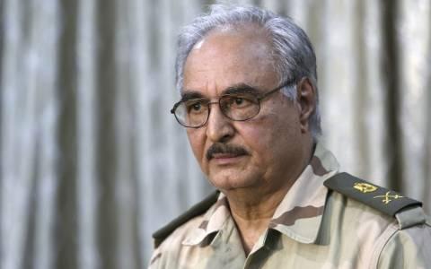 Λιβύη: Επανενεργοποιήθηκε ο στρατηγός Χάφταρ
