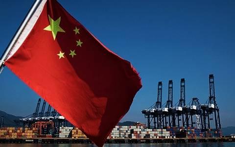 Φρενάρει η ανάπτυξη της Κίνας μετά από δυόμιση δεκαετίες