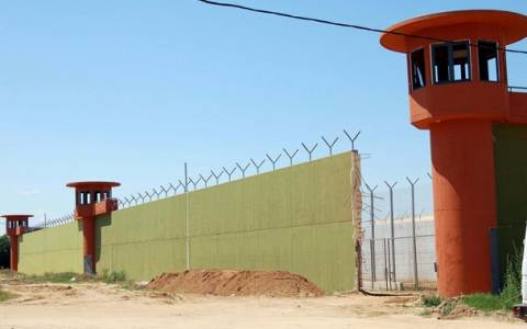 Σέρρες: Προσπάθησε να δώσει ναρκωτικά στον γιο του που ήταν φυλακή