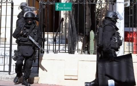 Γαλλία: Δεν συνδέονται οι Τσετσένοι συλληφθέντες με τρομοκρατία