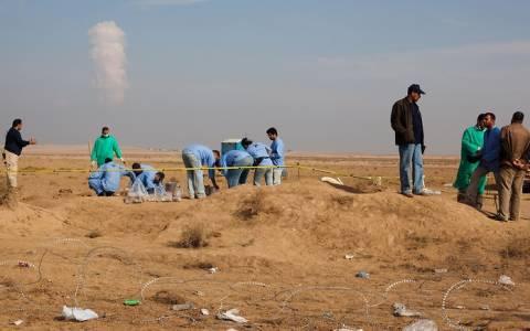 Ιράκ: Ανακαλύφθηκαν ομαδικοί τάφοι με 26 σορούς