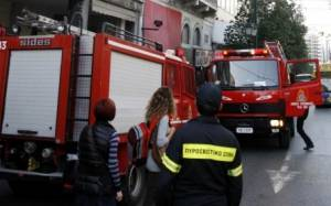 Φωτιά σε δύο οχήματα στην Αθήνα