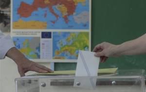 Δημοσκοπήσεις: Μπροστά ο ΣΥΡΙΖΑ με 4,8% σε νέα έρευνα