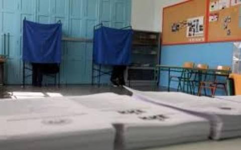 Δημοσκόπηση: Ολοταχώς προς την αυτοδυναμία ο ΣΥΡΙΖΑ – Προηγείται με 9,9%