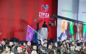 Εκλογές 2015: Πλήθος κόσμου στην Ομόνοια για την ομιλία Τσίπρα (Pics&Vids)