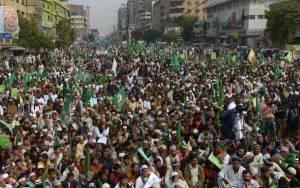 Πακιστάν: Ογκώδης διαδήλωση κατά του Charlie Hebdo