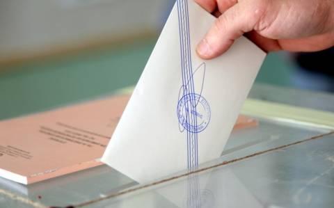 Δημοσκόπηση: Αυτά είναι τα ποσοστά που δίνουν αυτοδυναμία στο πρώτο κόμμα