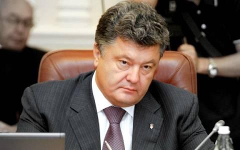Ποροσένκο: 9.000 Ρώσοι στρατιώτες βρίσκονται στην ανατολική Ουκρανία