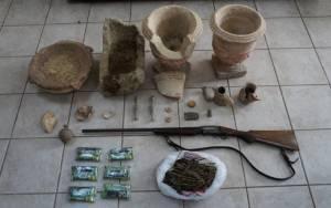 Βοιωτία: Συνελήφθη 43χρονος για μεγάλη υπόθεση αρχαιοκαπηλίας (pics)