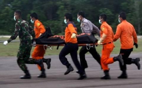 Ινδονησία: Ανάσυρση τεσσάρων σορών από τη θάλασσα της Ιάβας
