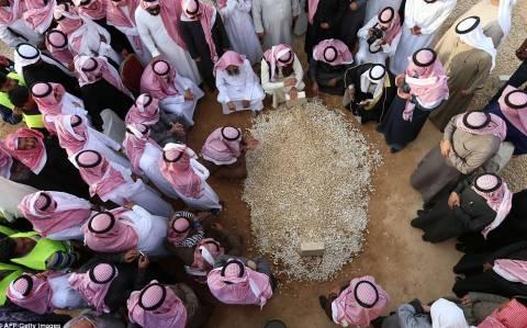 Ολάντ και Κάμερον στη Σαουδική Αραβία σε ένδειξη συμπαράστασης