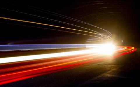 Επιστήμονες επιβράδυναν την ταχύτητα το… φωτός!