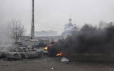 Μαριούπολη: Οι βομβαρδισμοί έγιναν από περιοχές που ελέγχουν οι αυτονομιστές