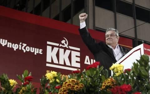 Εκλογές 2015: Ψήφισε ο Δημήτρης Κουτσούμπας