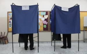 Εκλογές 2015: «Πυκνώνει» η προσέλευση των ψηφοφόρων