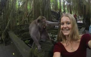 Ήθελε να βγάλει selfie με μια μαϊμού, όμως τα πράγματα δεν πήγαν όπως τα σχεδιάζε…