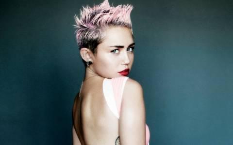 Η Miley Cyrus έχει ξεφύγει τελείως!!