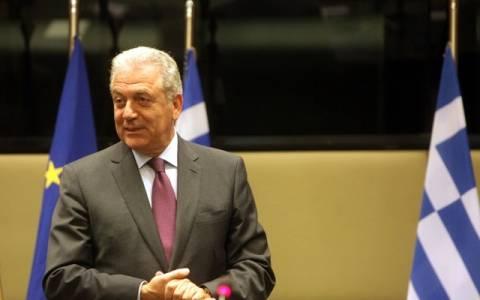 Βουλευτικές εκλογές 2015: Στο Παγκράτι ψήφισε ο Δημήτρης Αβραμόπουλος