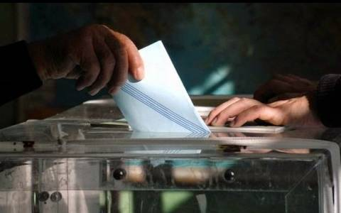 Εκλογές 2015: Θερμό επεισόδιο μεταξύ βουλευτή και στελέχους κόμματος