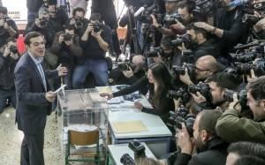 Spiegel: «Ο Αλέξης Τσίπρας αξίζει μια ευκαιρία»
