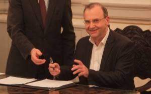 Κυβέρνηση ΣΥΡΙΖΑ - Στρατούλης: Πρώτο μέλημά μας να σταματήσει η μείωση των συντάξεων