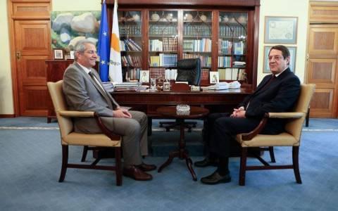 Κυπριανού σε Αναστασιάδη: Στήριξε Τσίπρα για τερματισμό της λιτότητας